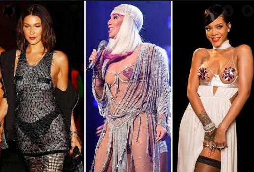 foto van 3 celebreties die nipple covers dragen